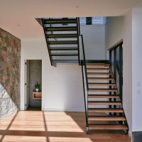feature floating staircase