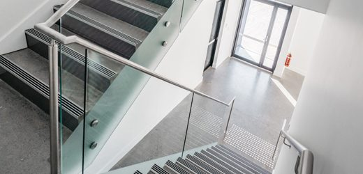 https://www.jsbalustrading.com.au/wp-content/uploads/2019/06/Stainless-steel-staircase-Railing-with-Frameless-Glass-520x250.jpg