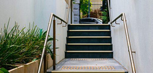 brass-handrail-brackets