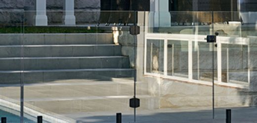 https://www.jsbalustrading.com.au/wp-content/uploads/2020/09/glass-pool-fencing-350-520x250.jpg